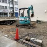 駐車場の舗装工事のため、7月10日の日中は当店の駐車場をご利用いただけません。